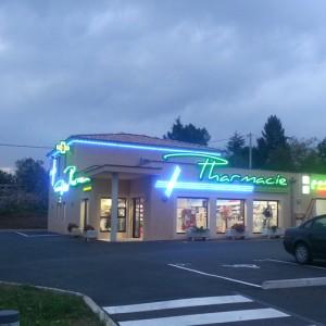 """Enseigne néons """"Pharmacie Gilles"""" - Joyeuse (07)"""
